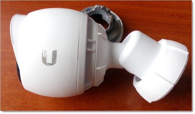 Поворот камеры UniFi G3 на шарнире