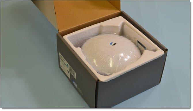 Ubiquiti NanoBeam 5AC-16 в упаковке