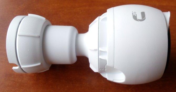 Распаковка камеры UniFi G3